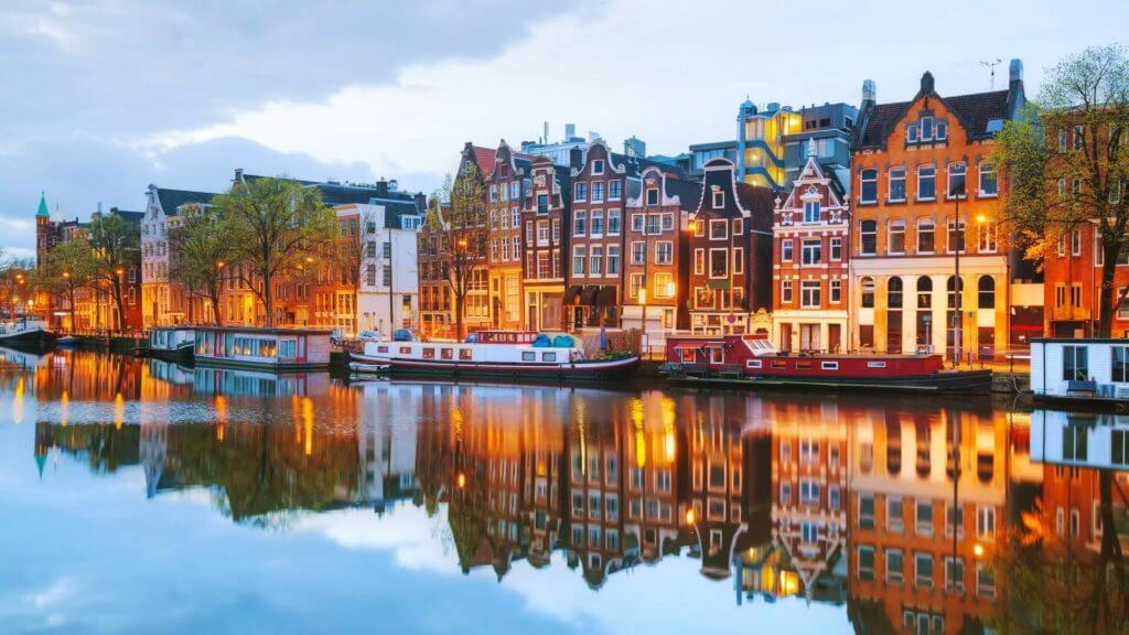 amsterdam-couleurs-maisons